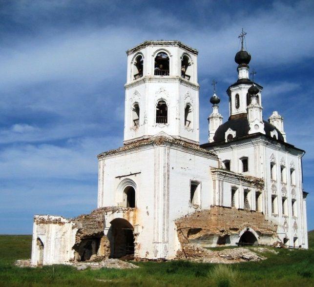 Селенгинский Спасский собор, фото 2008 года, в запустении