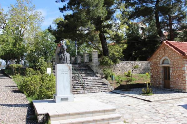 агиа лавра памятник