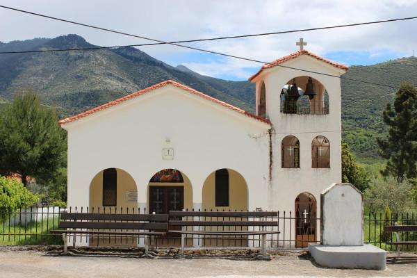 пелопоннес церковь на трассе