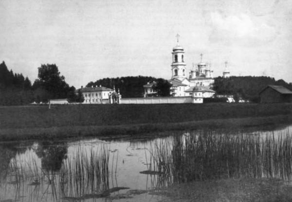 Свято-Троицкий Павло-Обнорский мужской монастырь, фото начала XX века, в натоящее врем ямонастырь дейстует, восстанавливается