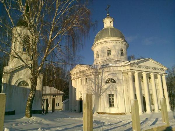 храм с колокольней и гостинницей