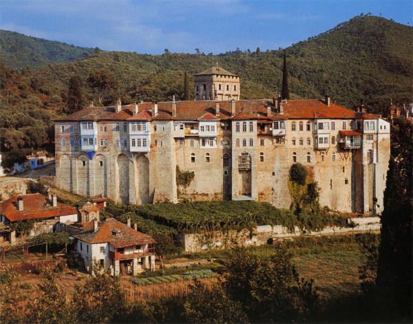 Сербский Хилендарский монастырь на Афоне