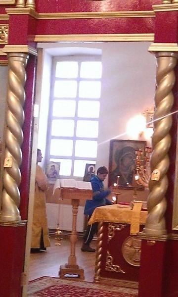 Егор в алтаре