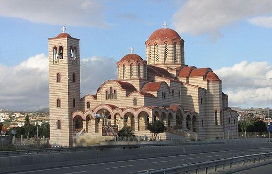 Храм в честь прпп. Арсения Каппадокийского и Паисия Святогорца, Лимассол