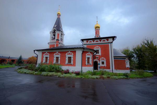 храм свт. Николая Мирликийского в Сабурово
