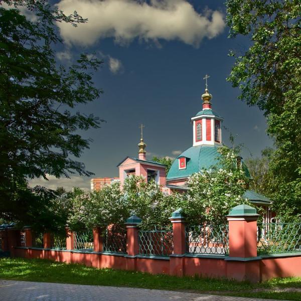 Церковь Троицы Живоначальной в Воронцове, Москва