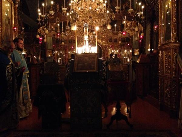 всенощная в Пантелеимоновом монастыре, Афон