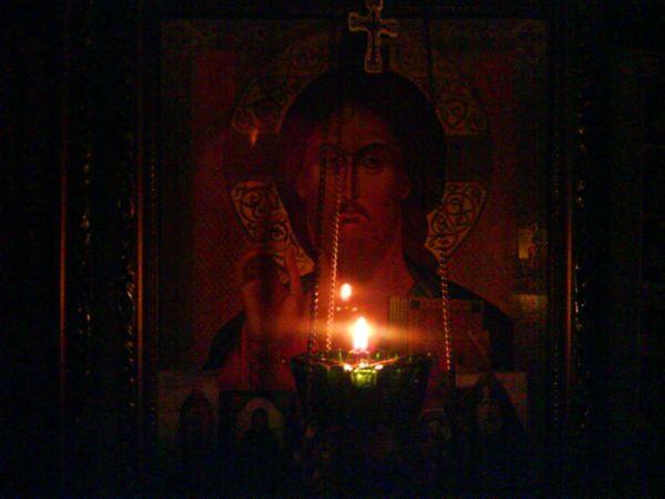 лампада перед Спасителем