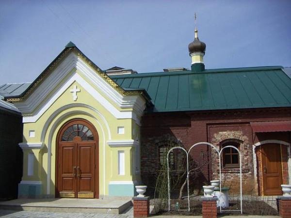 Здание бывшей пожарной части Московского сельскохозяйственного института, часть которого в настоящее время занимает домовая церковь Иоанна Артоболевского