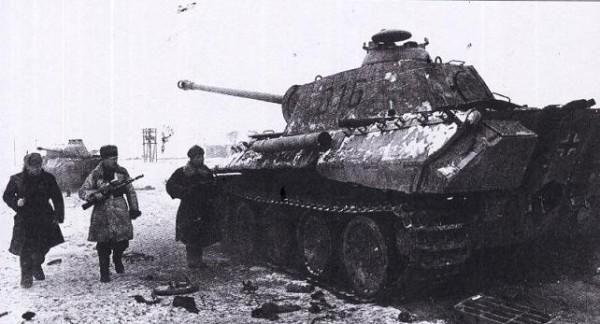 Танки Пантера (PzKpfw V Panther), захваченные в ходе Корсунь- Шевченковской операции