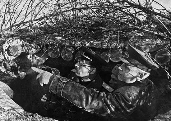 И.С. Конев и П.С. Ротмистров на наблюдательном пункте в ходе Корсунь- Шевченкосвкой операции