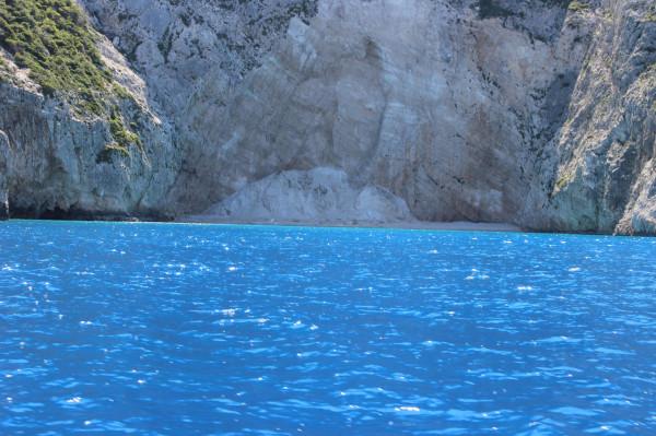 навагио одинокий пляж голубое море