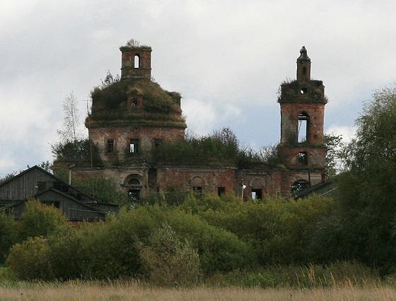 Церковь Николая Чудотворца в селе Карачарово, разорена в 30-е годы XX века