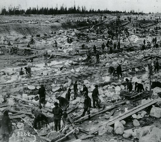 заключенные лагеря на строительстве Беломорканала