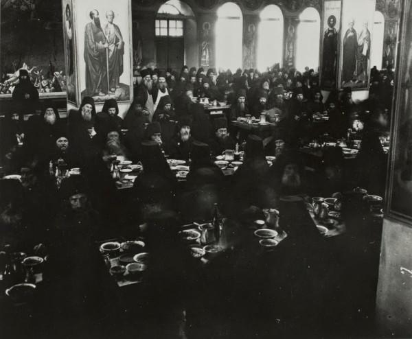 трапезная Русского на Афоне монастыря. Фото середины прошлого века 2