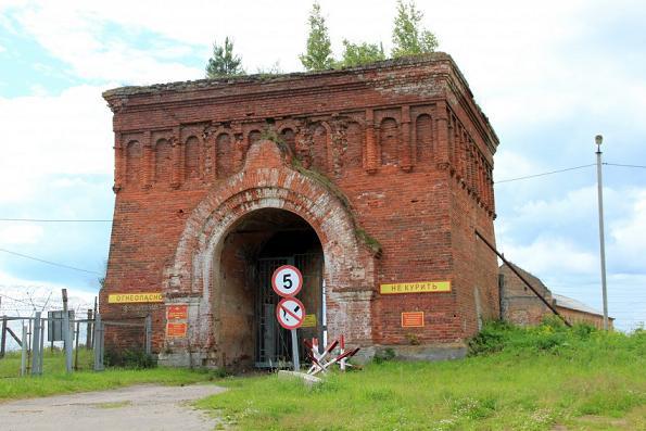 Уцелевшая часть колокольни Желтикова монастыря