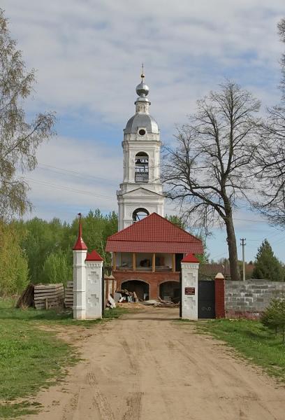 Адрианов Успенский монастырь - Адрианова Слобода - Пошехонский район - Ярославская область, восстанавливается