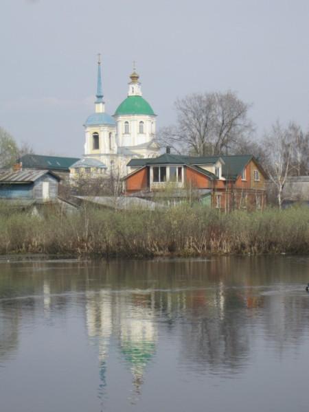 Церковь Спаса Нерукотворного Образа в Киове - Лобня, вид с озера Киово