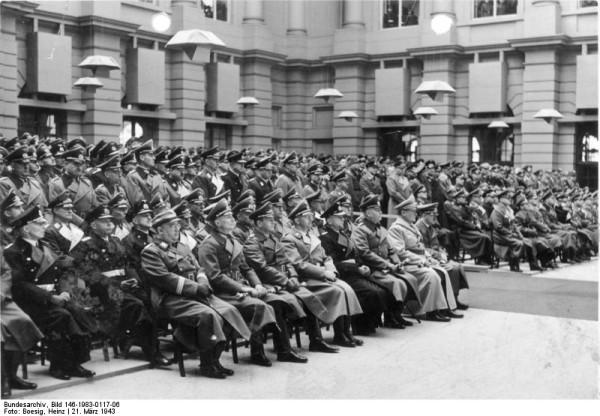 Геринг, Кейтель, Дениц, Гиммлер  и другие немецкие лидеры на церемонии в честь тех, кто погиб в бою, Берлин, Германия, 21 мар 1943
