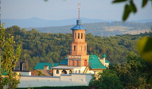 монастырь в честь святых Кирилла и Мефодия в Уйковицах