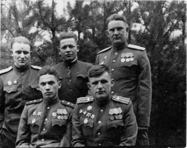 Начало апреля 1945 года, перед Берлинской операцией в лесу под Кюстрином