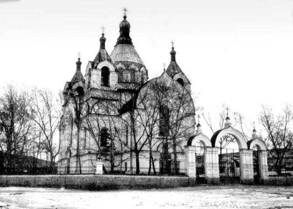 Александро-Невский храм в Миассе, фото начала XX века. Разорен в 1939 году.