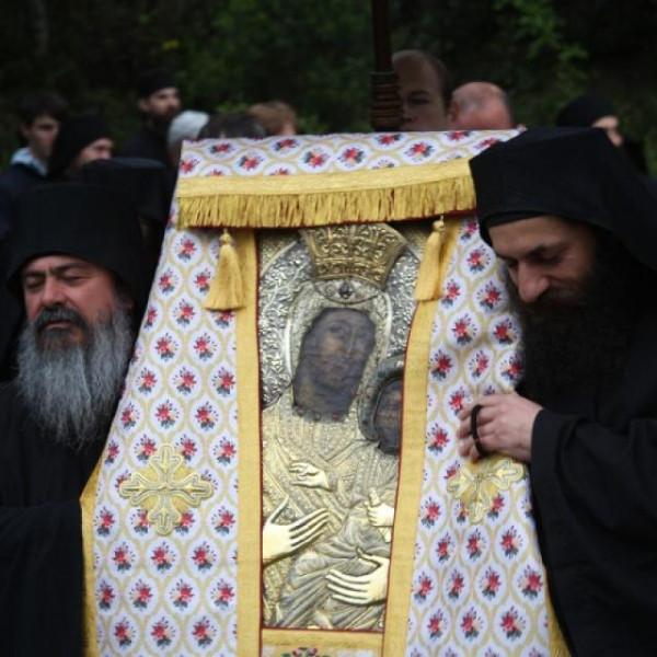 Крестный ход с чудотворной иконой Пресвятой Богородицы «Виматарисса» («Ктиторская»), Ватопед, Афон