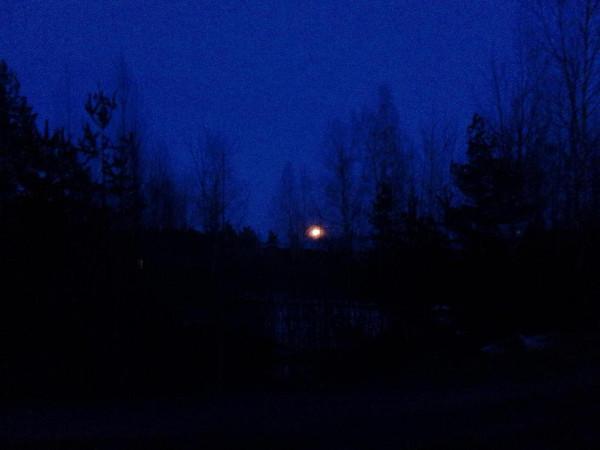Красная Горбатка, луна