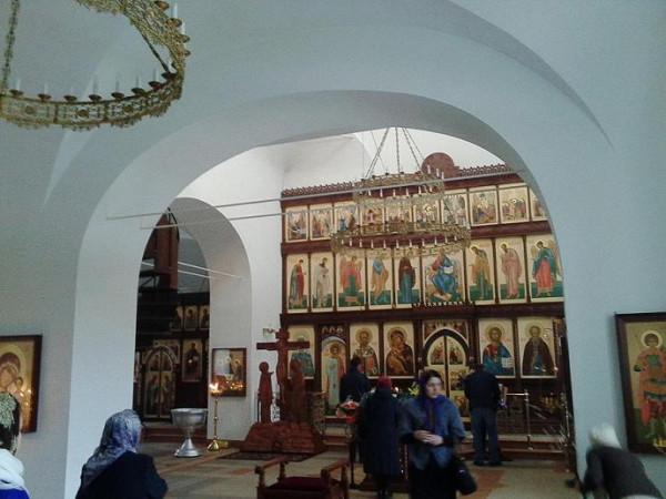 храм прпп. Сергия и Никона Радонежских внутри