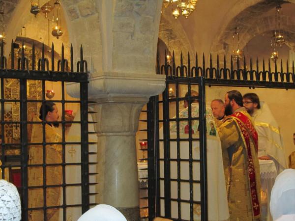 Базилика св. Николая, Бари, Литургия