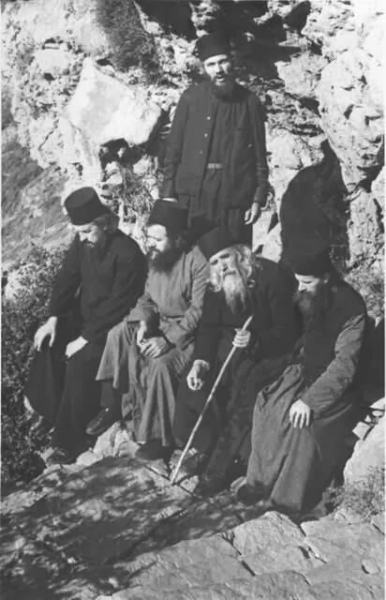 Афон, старец Клеопа Илие с учениками