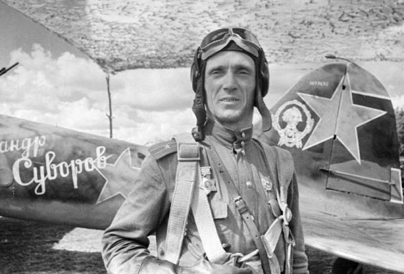 Летчик-штурмовик майор Ломанцев. Май 1943 г.