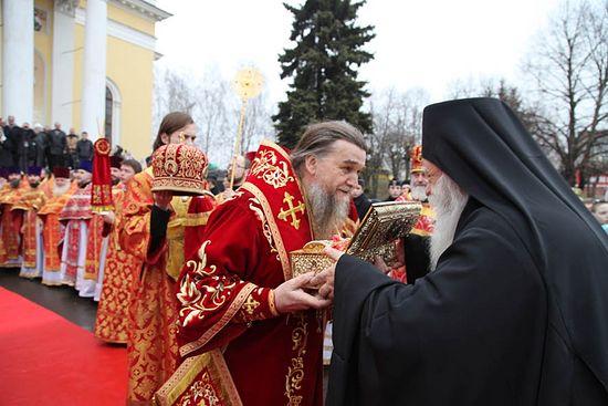 Десницу Георгия Победоносца встретили в г. Рыбинске