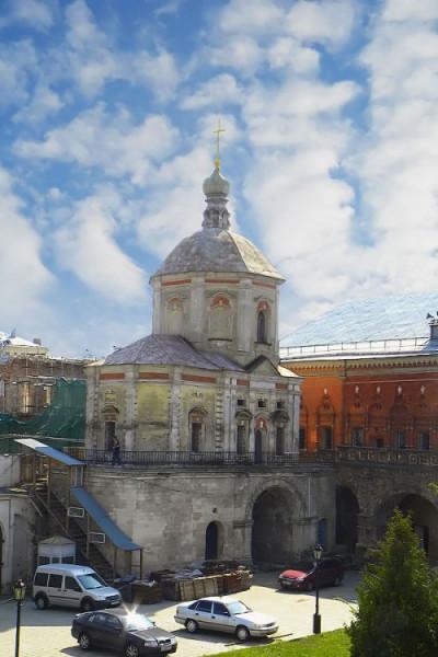 Высокопетровский монастырь. Церковь Пахомия Великого
