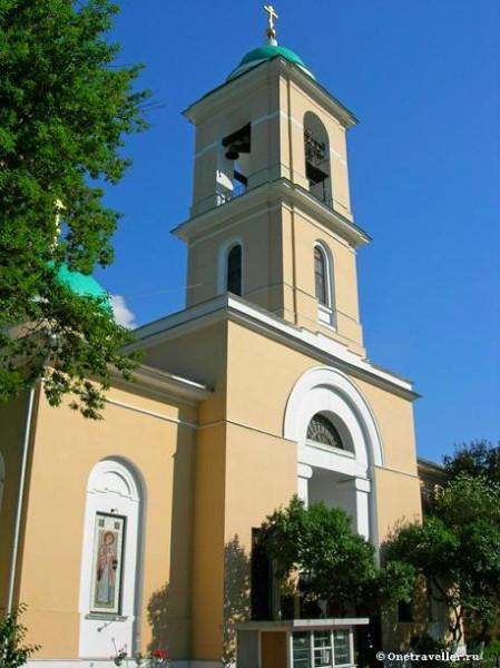 Храм Воскресения Словущего в Свято-Даниловом монастыре в Москве
