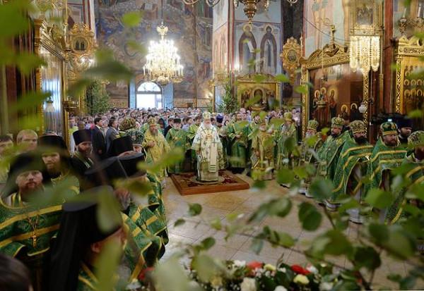Патриаршее служение в день Святой Троицы в Троице-Сергиевой лавре, 8 июня 2014 года
