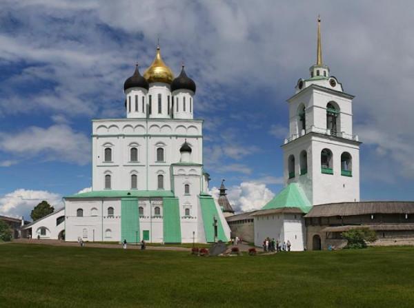 Псков. Собор Троицы Живоначальной