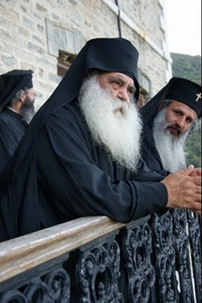_Архимандрит Парфений (Мурелатос) слева 1