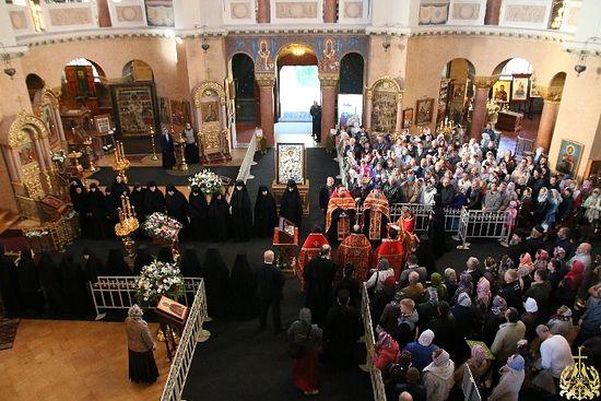 Мощи великомученика Георгия Победоносца в Воскресенском Новодевичьем монастыре