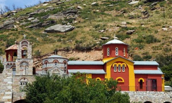 Монастырь святого Пантелеимона в районе Пендели