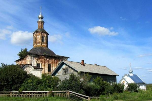 Церковь Петра иерея Черевковского - Черевково - Красноборский район - Архангельская область (справа), слева - Троицкая церковь
