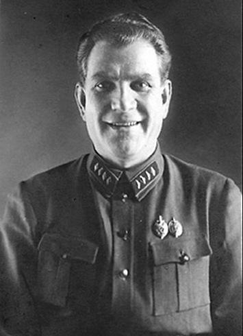 Тучков Е.А., сотрудник ЧК—ГПУ—ОГПУ—НКВД (с 1918—1939), в 1922—1929 годах начальник 6-го отделения СО ГПУ — ОГПУ,  главный палач русской православной церкви