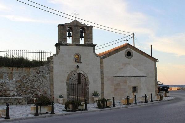 по закинтосу церковь на выезде из города
