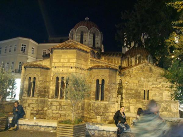 Церковь Капникарея (Panaghia Kapnikarea) на Улице Эрмоу
