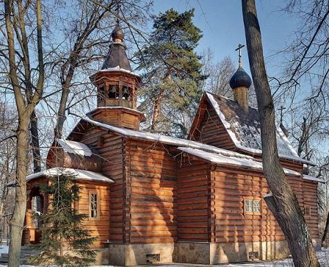 в 1938 году храм был взорван. Сейчас построена новая церковь Успения Пресвятой Богородицы - Петрово-Дальнее - Красногорский район - Московская область