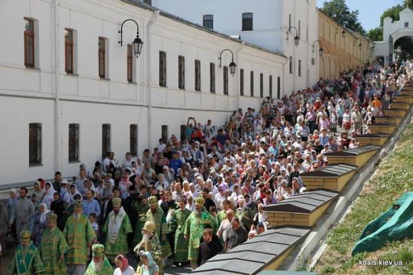 Божественная Литургия в Киево-Печерской Лавре 23 июля 2015 года 3