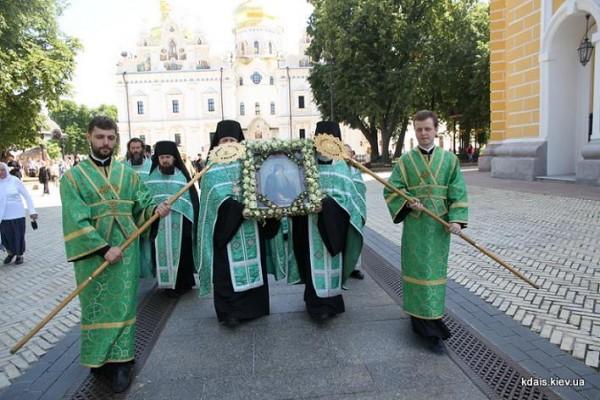 Божественная Литургия в Киево-Печерской Лавре 23 июля 2015 года 2