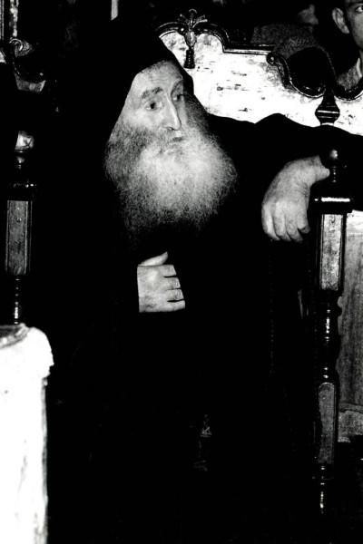 Монах Ефрем Лавриот в храме Протата (фото монаха Гавриила Филофеита)