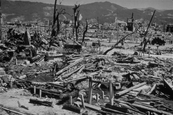 Руины - все, что осталось в Хиросиме после 6 августа 1945 года