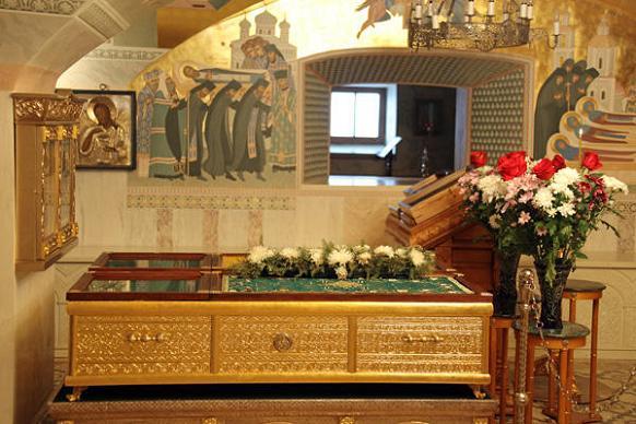 мощи преподобной Марфы почивают в храме Рождества Богородицы в Серафимо-Дивеевском монастыре